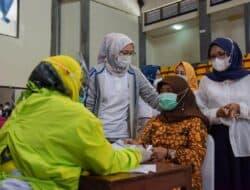 Bupati Purwakarta Tinjau Vaksinasi Tahap Dua untuk ASN