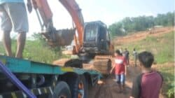 Perhutani KPH Purwakarta Angkut 3 Unit Excavator Pelaku Pengerukan Tanah Ilegal