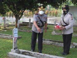 Dalam Rangkaian Memperingati Hari Bhayangkara Ke-75 Polres Purwakarta Ziarah Kubur ke TMP