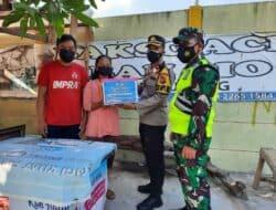 Polres Purwakarta Bagikan Sembako Bagi Masyarakat Di masa PPKM Darurat