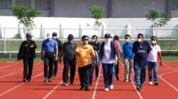 Uji Coba Stadion Purnawarman, Bupati Anne Tendang Bola Tanda Pertandingan Dimulai