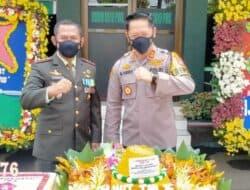 HUT TNI Ke 76, Personil Polres Berikan Kejutan Kepada Dandim 0619/Purwakarta